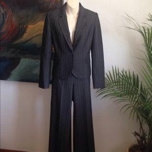 Nine West suit sz 2